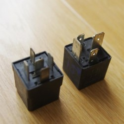 Rờ le (relay) 30A và 70A